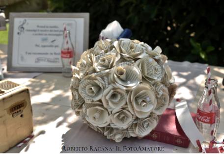 bouquet di fiori di carta sposa vera