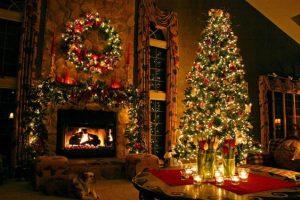 scena natalizia con albero e camino