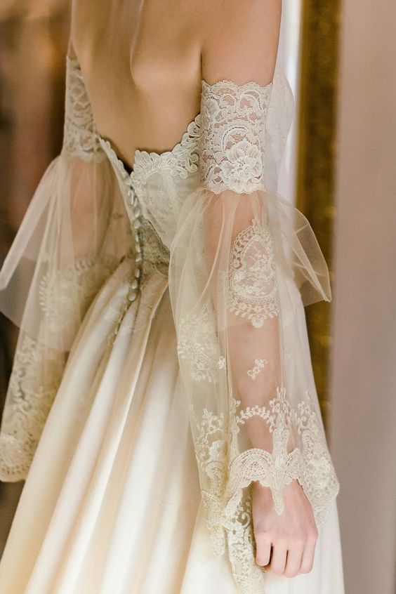 prima prova abito - sposa di schiena